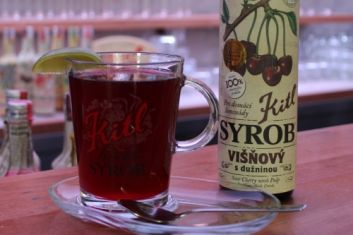 Hot Sour Cherry drink with Griotka